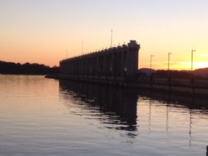 Hume and Hovell Track Stories - Building the Hume Dam